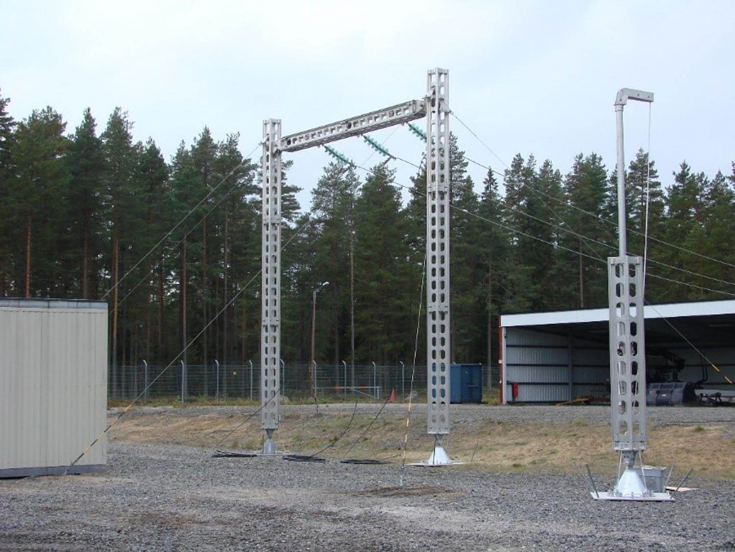 Creation of temporary gantries for substations.